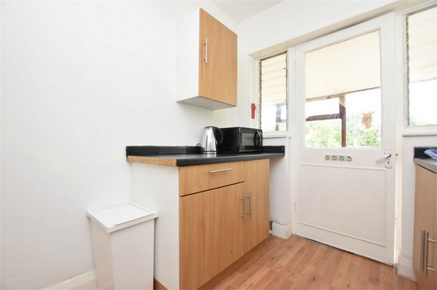 House To Rent In Brent L2L730-285