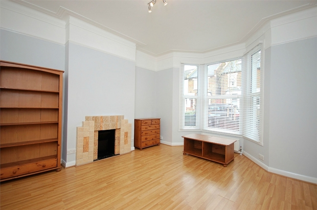 Property & Flats to rent with Daniels Estate Agents (Kensal Rise) L2L731-310