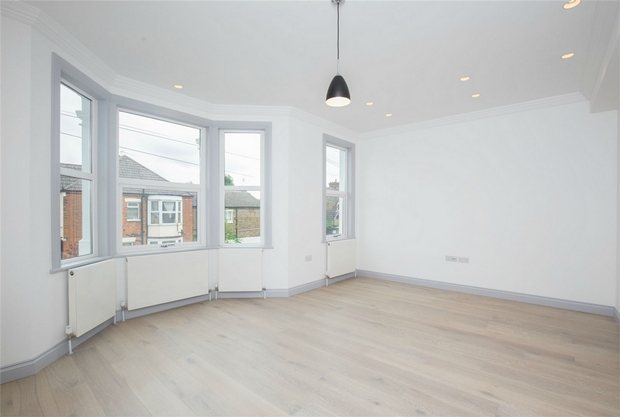 Property & Flats to rent with Daniels Estate Agents (Kensal Rise) L2L731-326