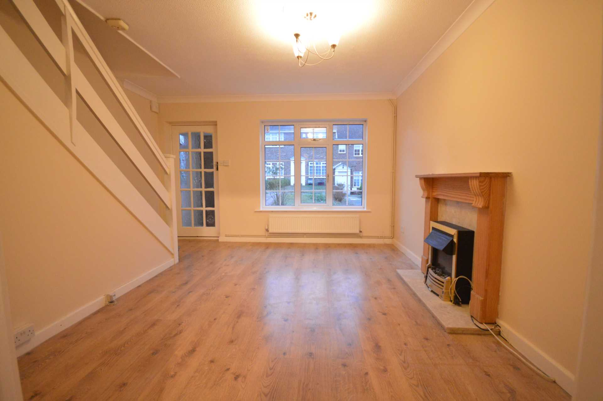 House To Rent In London L2L76-463