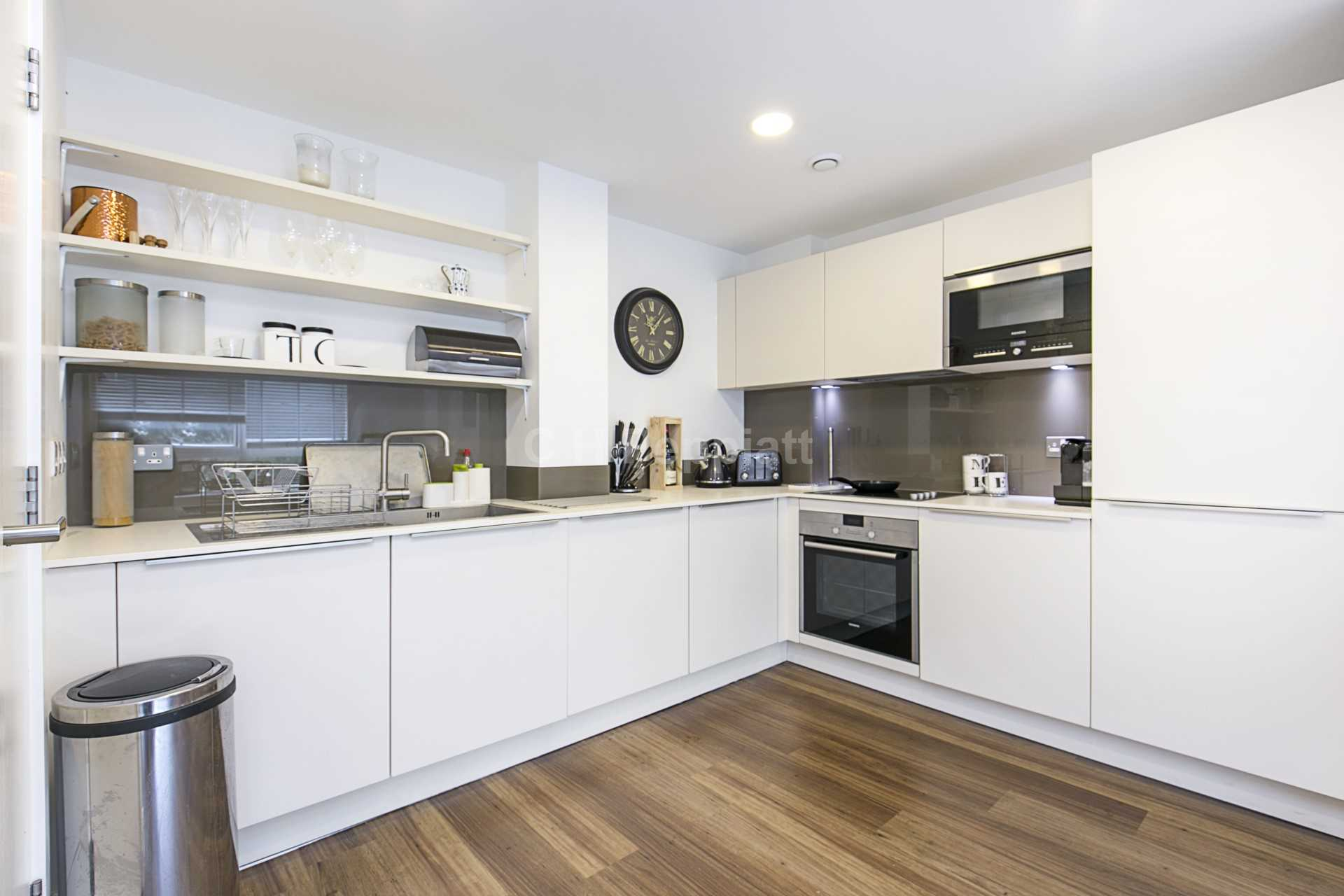 Property To Rent In London L2L77-1337