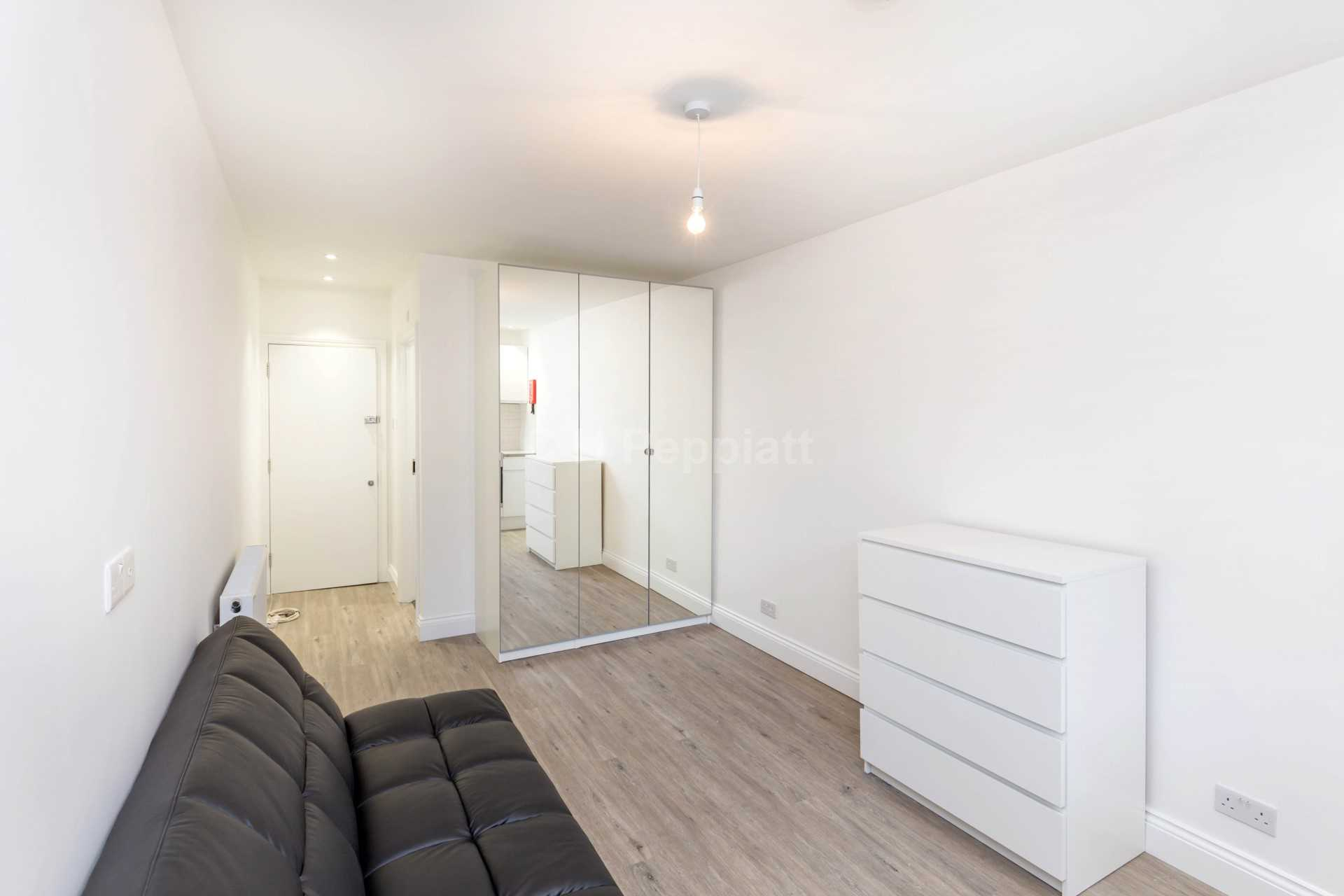 Flats And Apartments To Rent In London L2L77-1654