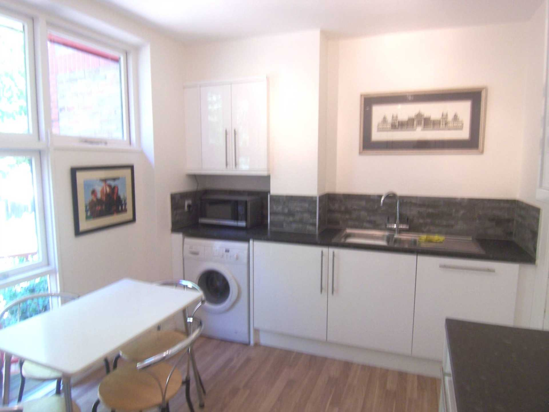 House To Rent In London L2L78-356