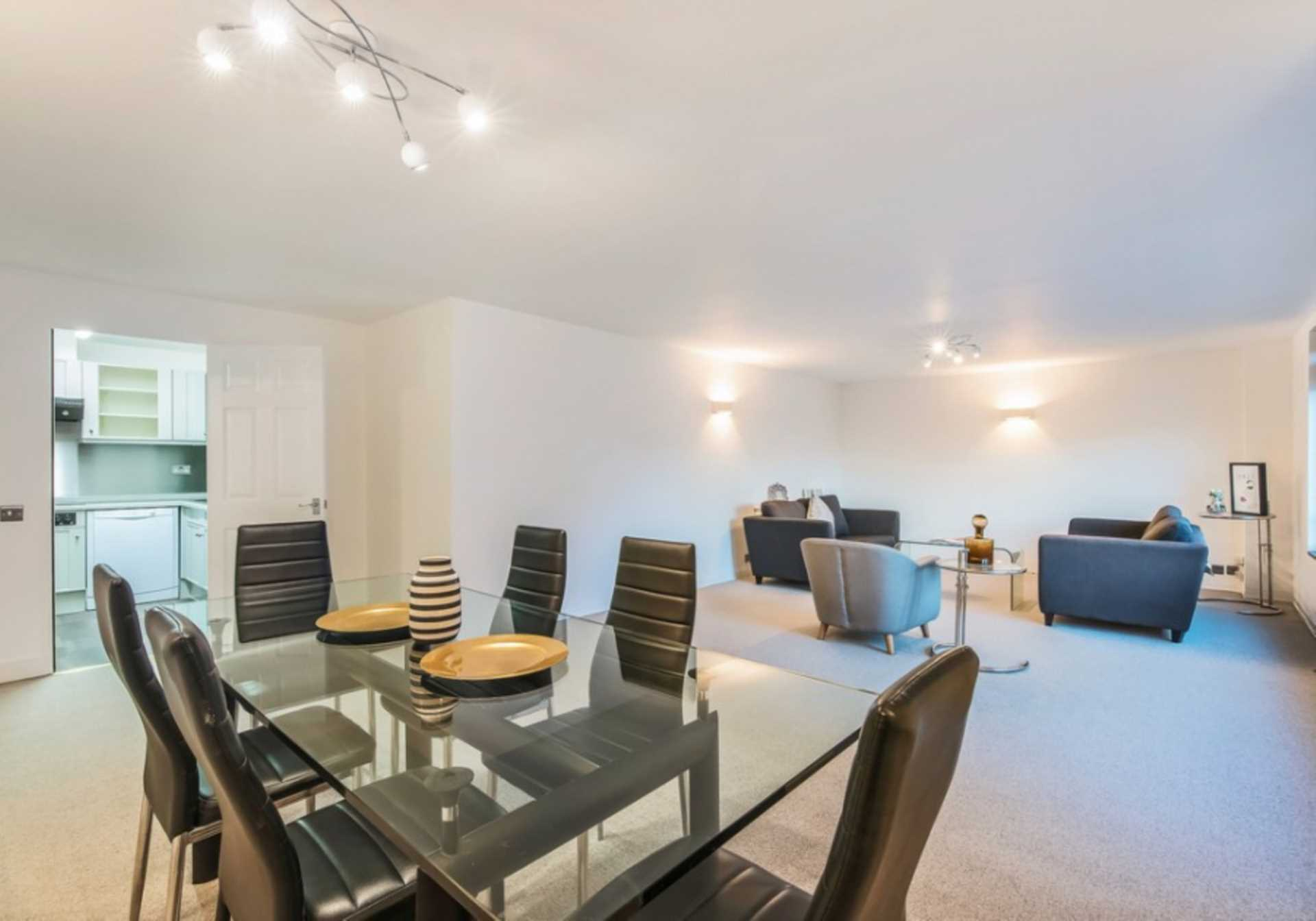 Property To Rent In London L2L82-518