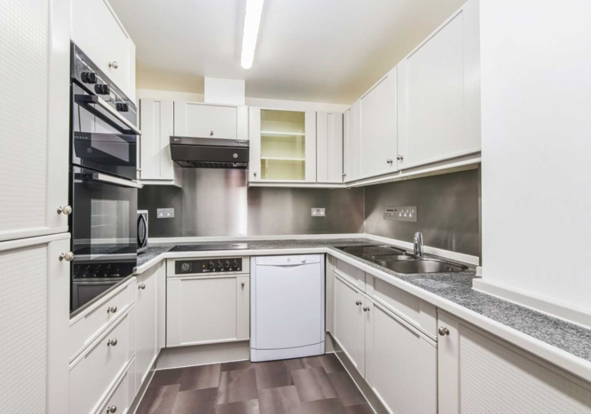 Flats And Apartments To Rent In London L2L82-518