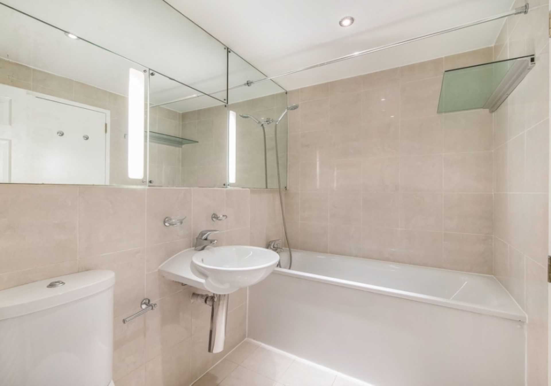 Flats And Apartments To Rent In St James L2L82-518