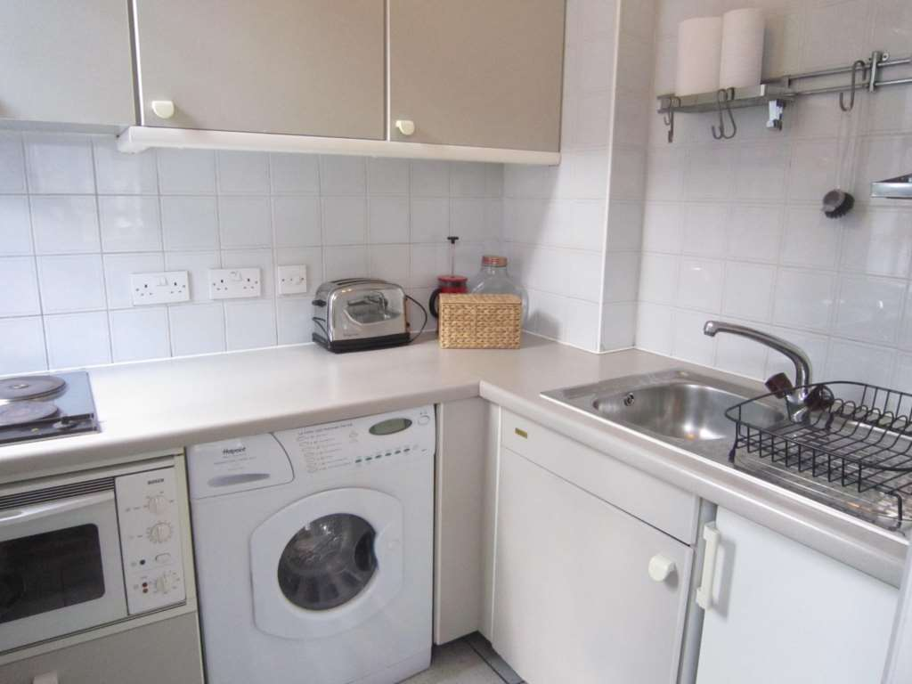 Flats And Apartments To Rent In London L2L82-1085