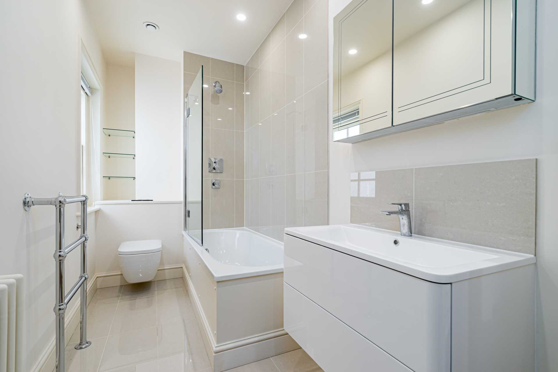Flats And Apartments To Rent In London L2L82-421