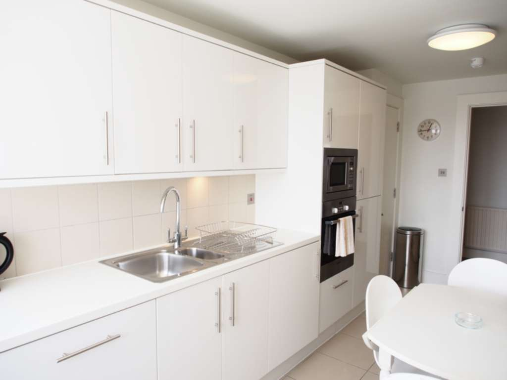 Property To Rent In London L2L82-467
