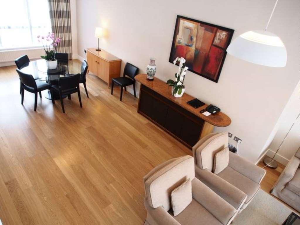 Rent In London L2L82-467