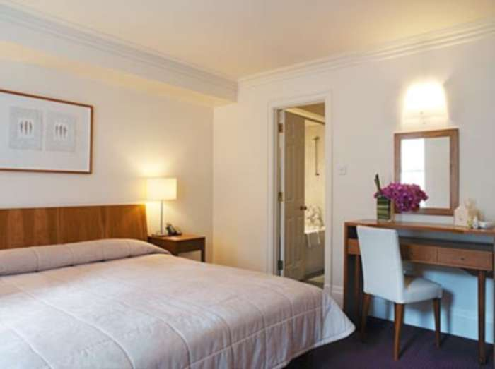 Flats And Apartments To Rent In Mayfair L2L82-483