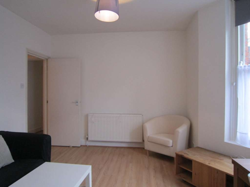 Flats And Apartments To Rent In London L2L82-943