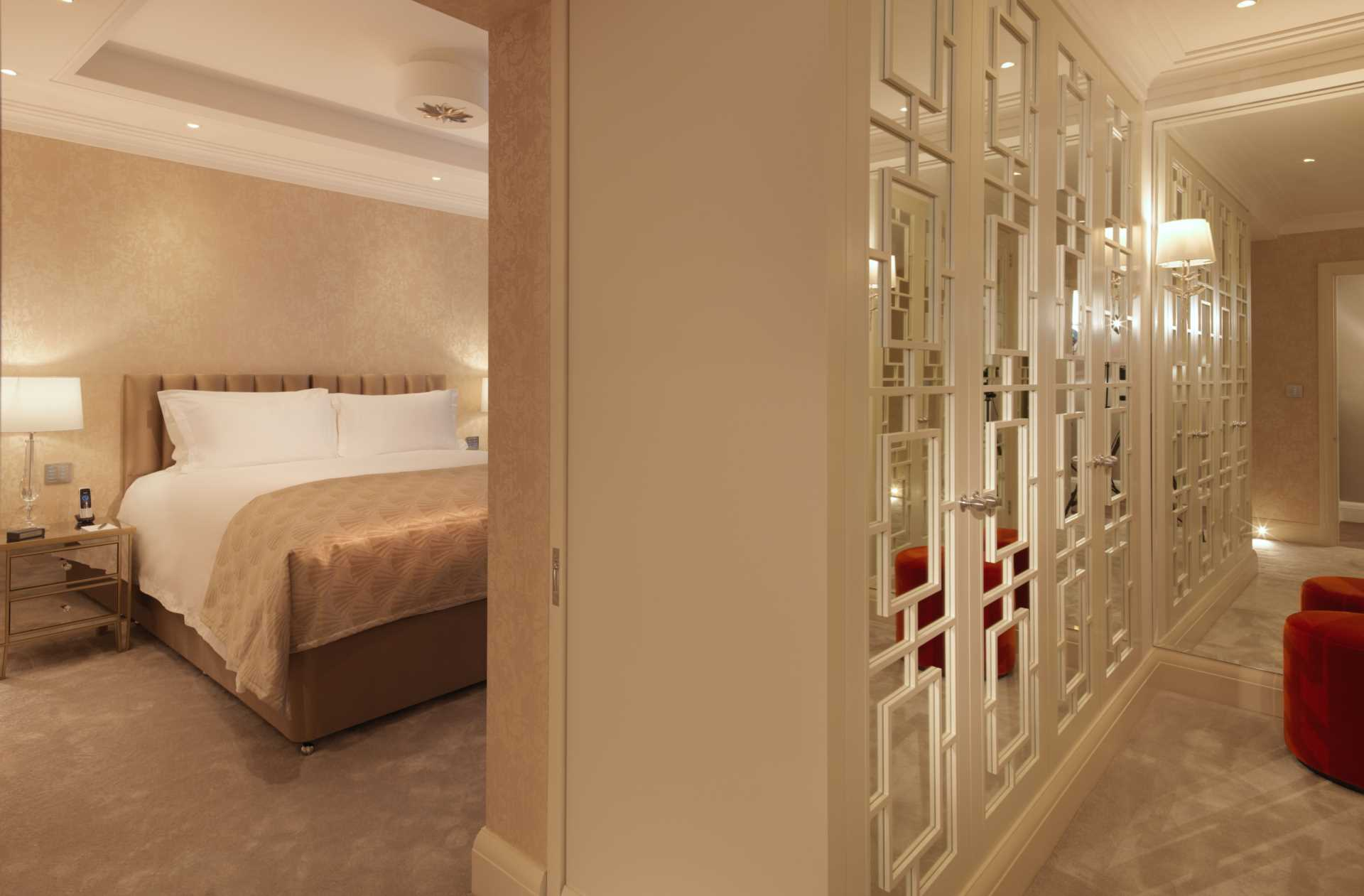 Flats And Apartments To Rent In Mayfair L2L82-1086