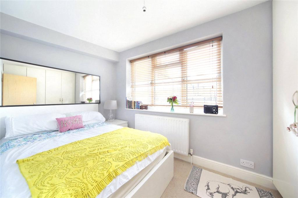 Flats And Apartments To Rent In Battersea L2L8294-793