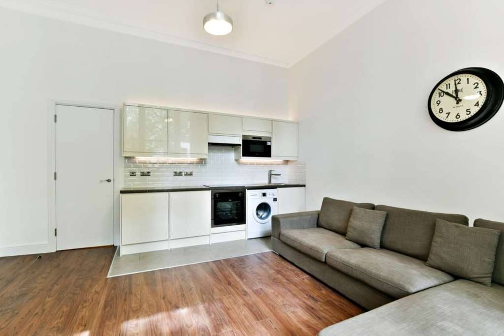 Rent In London L2L84-534