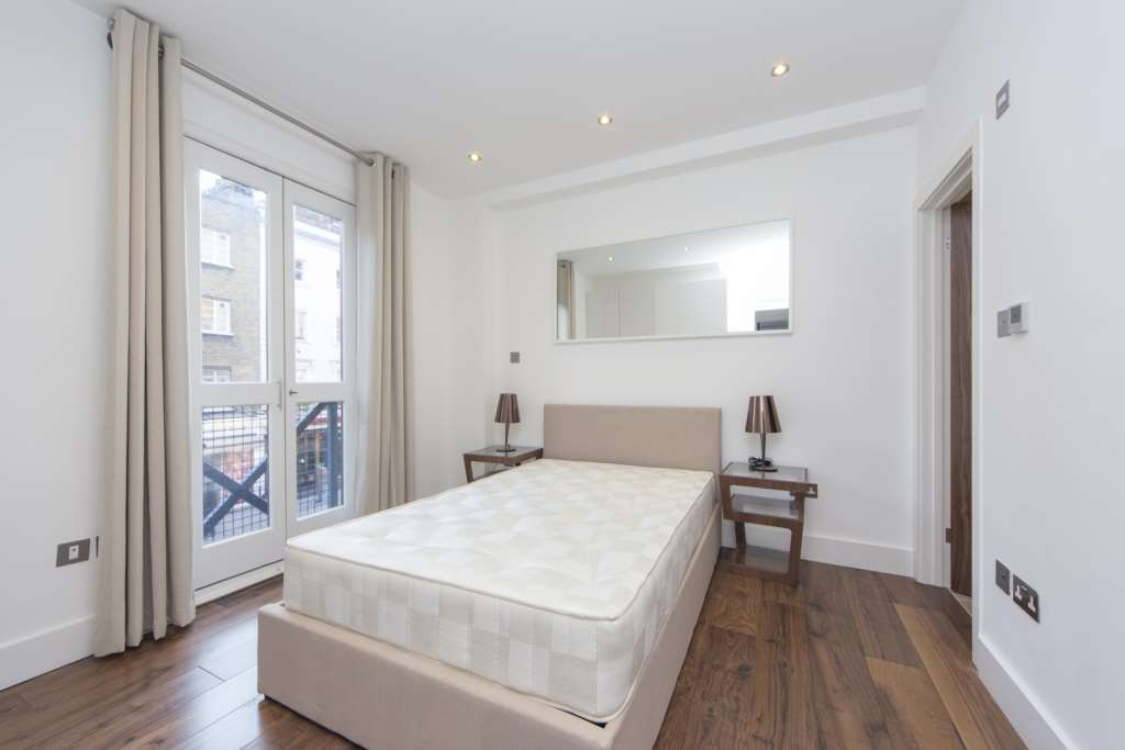Flats And Apartments To Rent In Soho L2L84-675