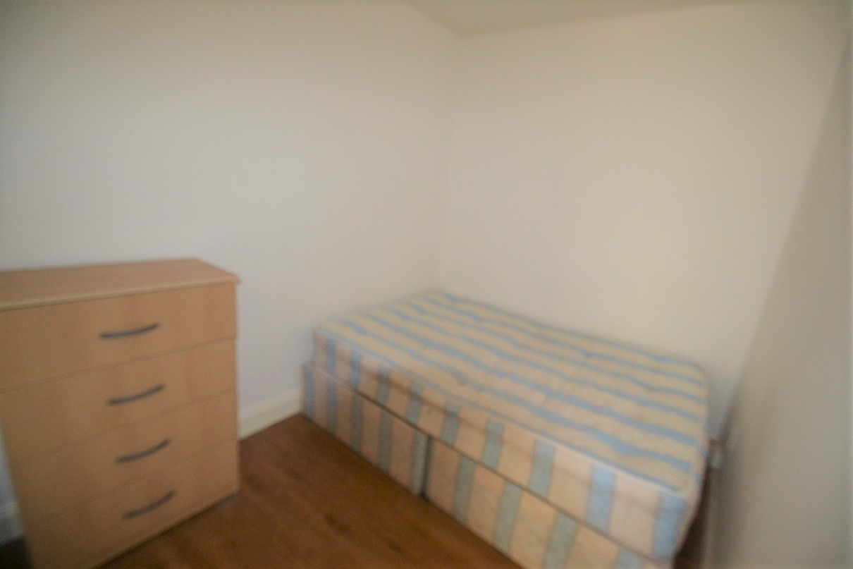 Property To Rent In London L2L8669-100