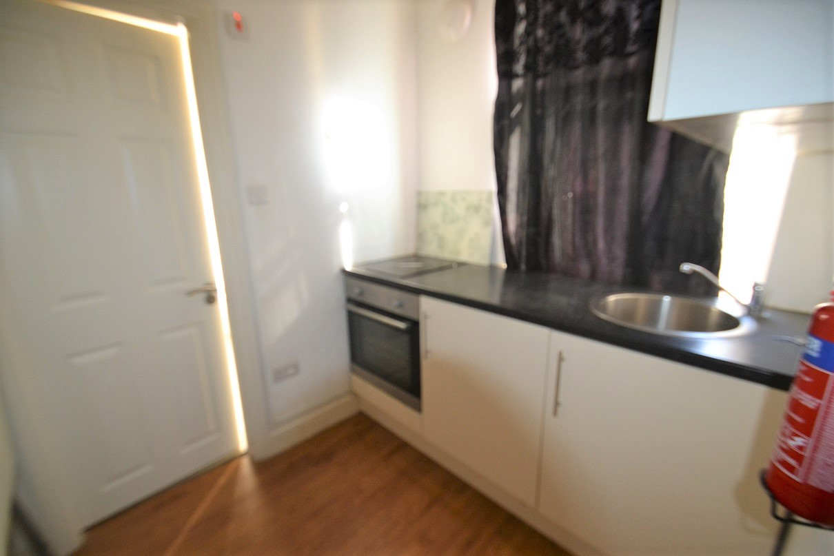 Flats And Apartments To Rent In London L2L8669-100
