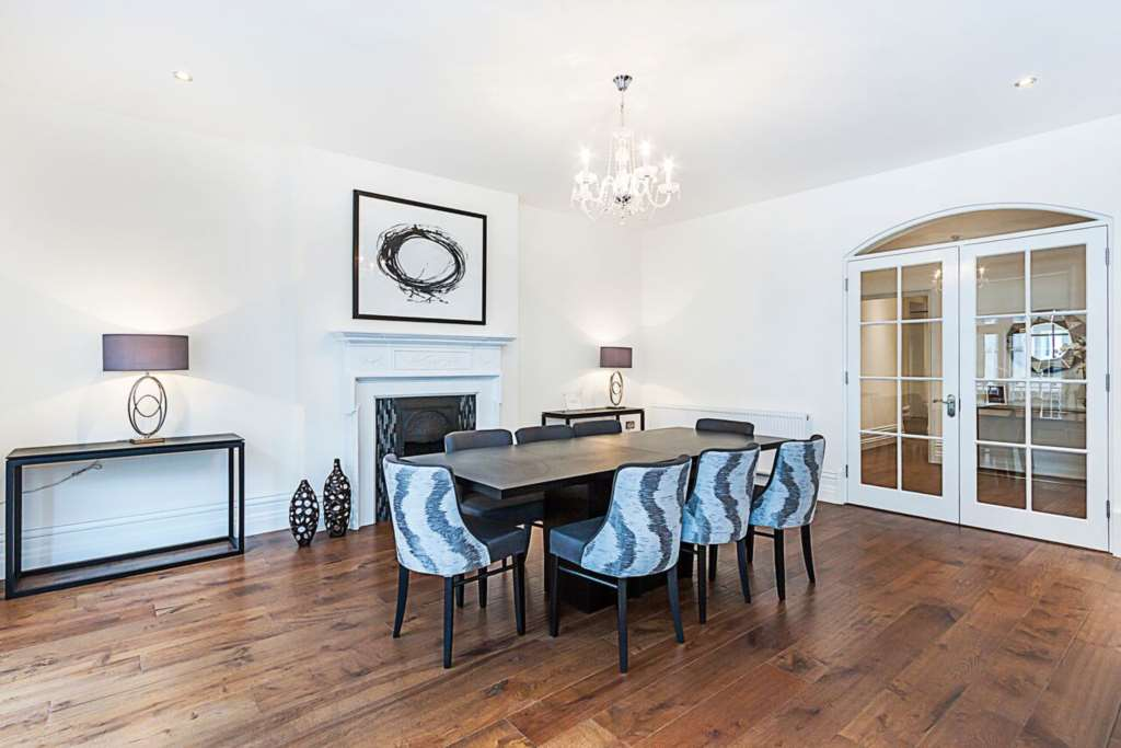 Property To Rent In London L2L87-427