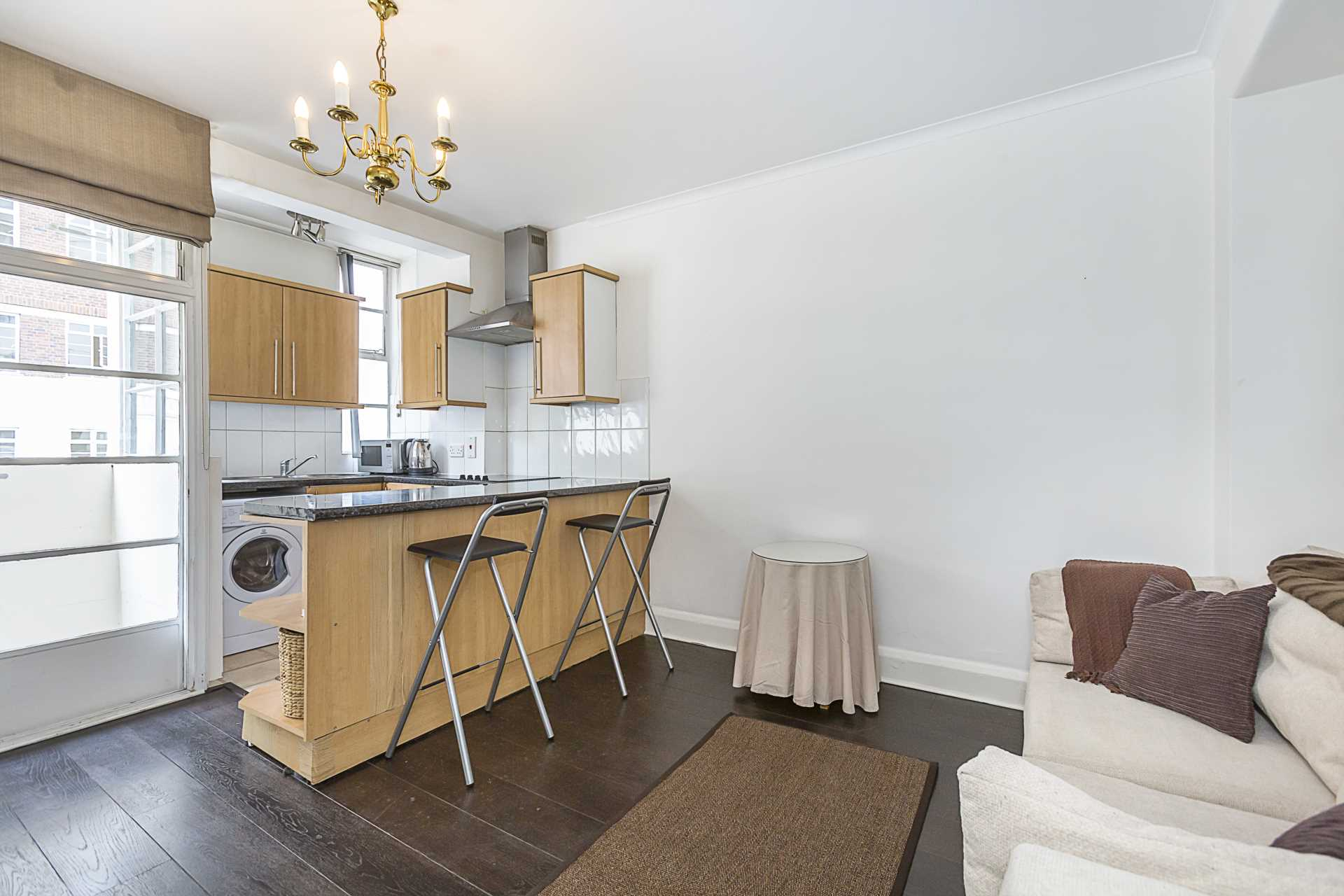 Property To Rent In London L2L87-1018