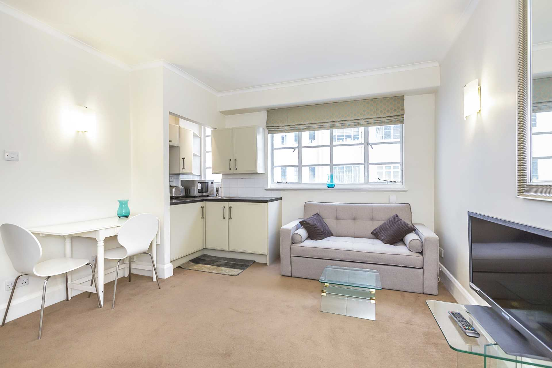 Flats And Apartments To Rent In London L2L87-1019