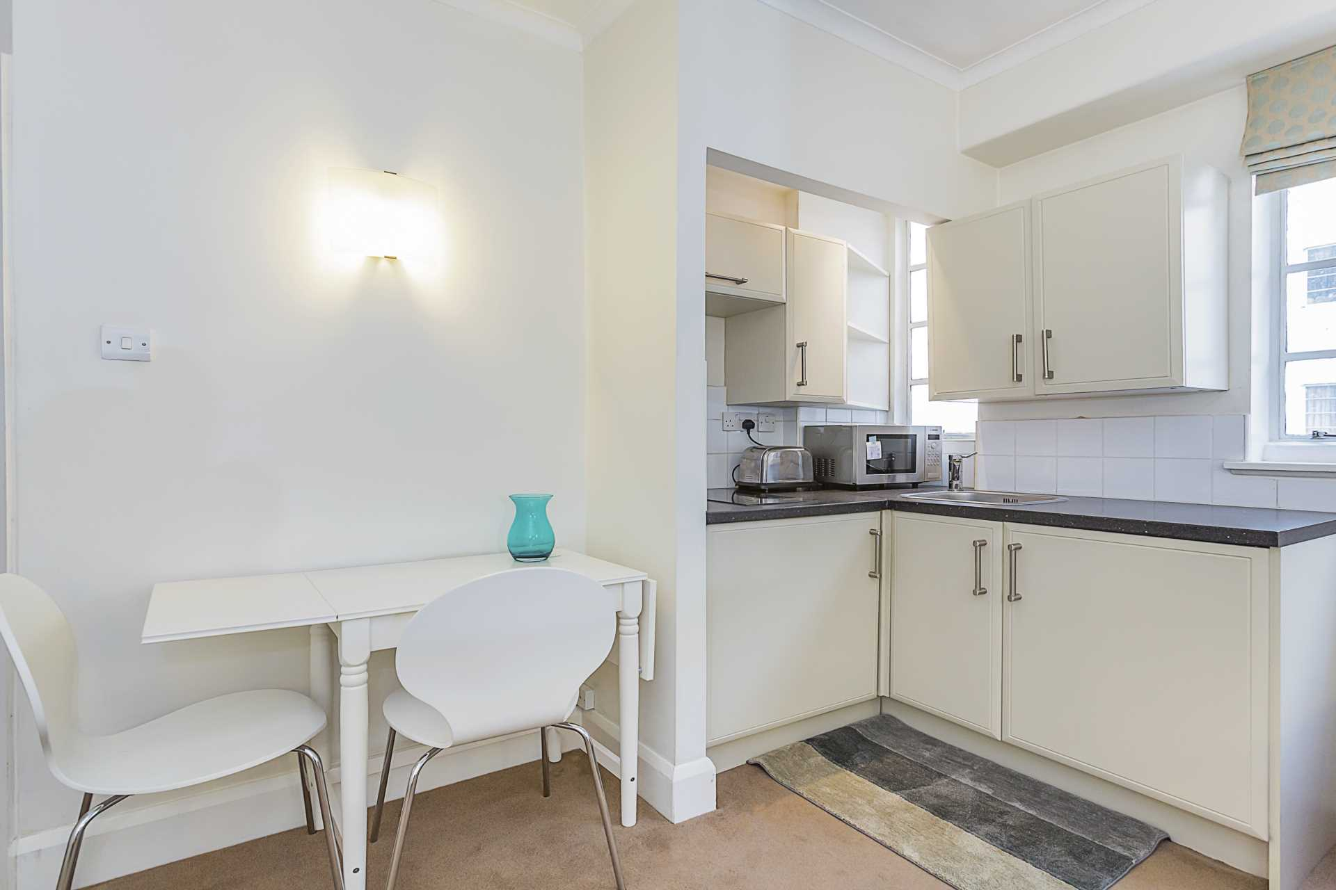 Flats And Apartments To Rent In Brompton L2L87-1019