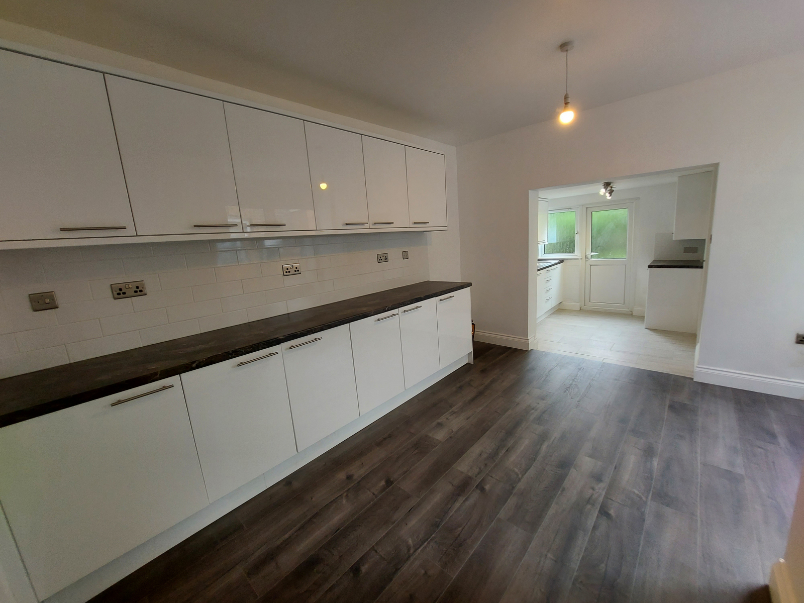 Property To Rent In London L2L9030-2722