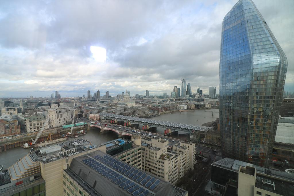 Flats And Apartments To Rent In London L2L9034-994