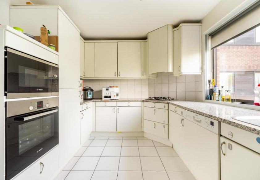 Flats And Apartments To Rent In London L2L9034-1122