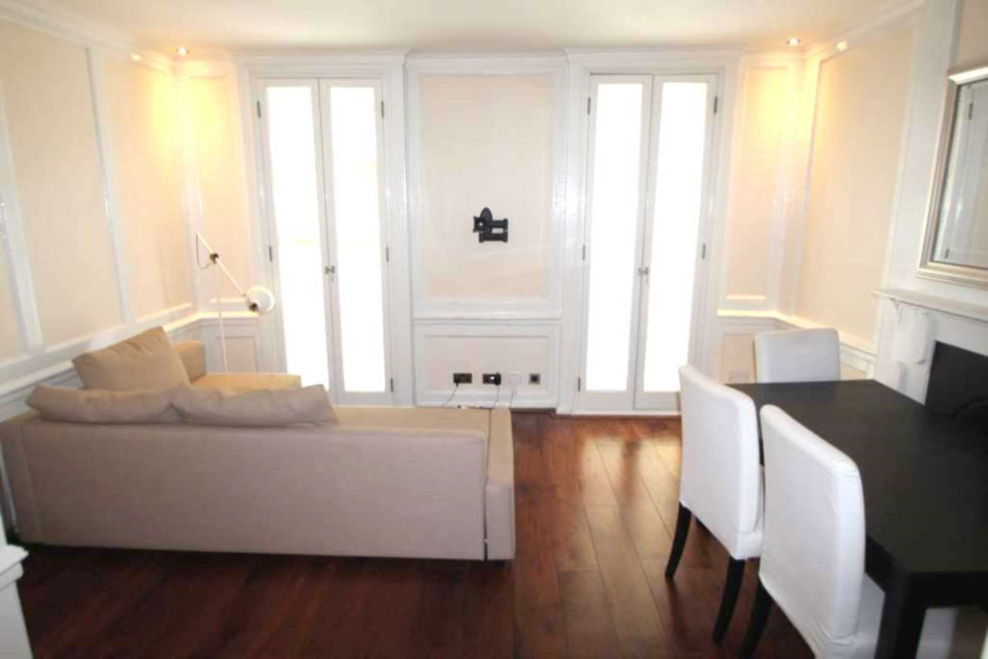Flats And Apartments To Rent In London L2L92-12055