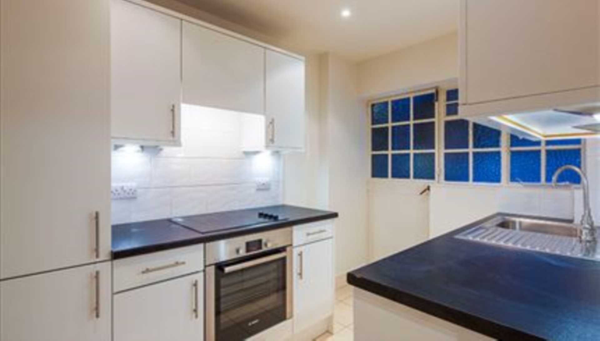 Flats And Apartments To Rent In London L2L92-12139
