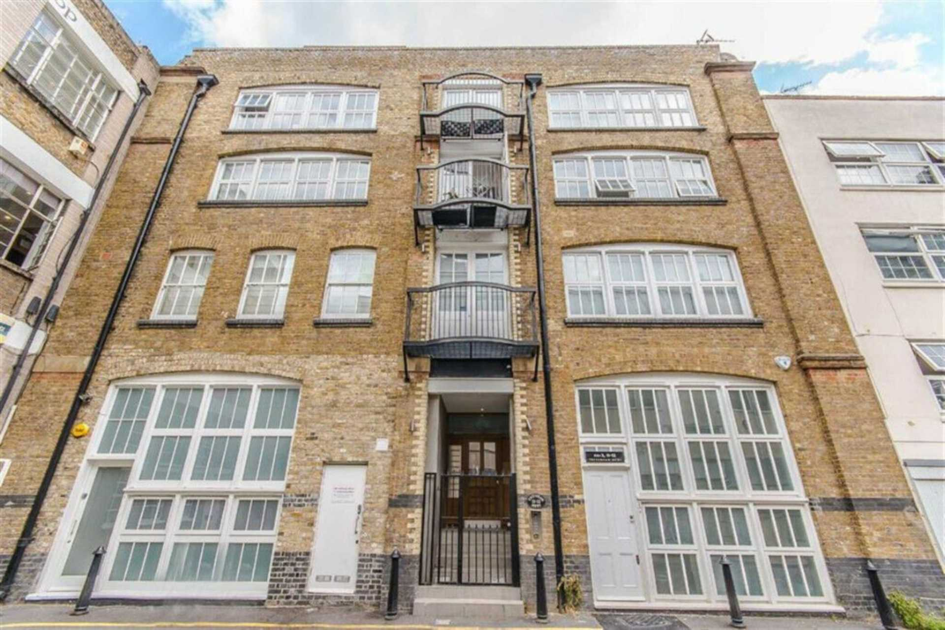 Flats And Apartments To Rent In London L2L92-12314