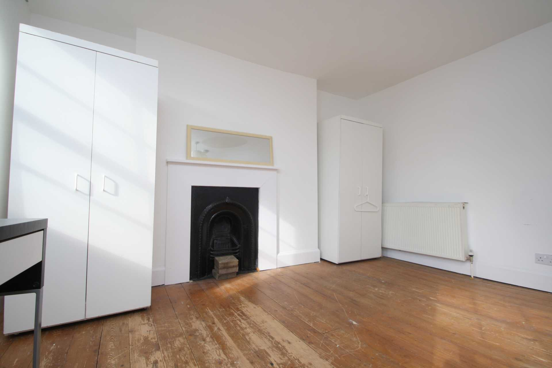 Flatshare To Rent In Camden Town L2L92-12383