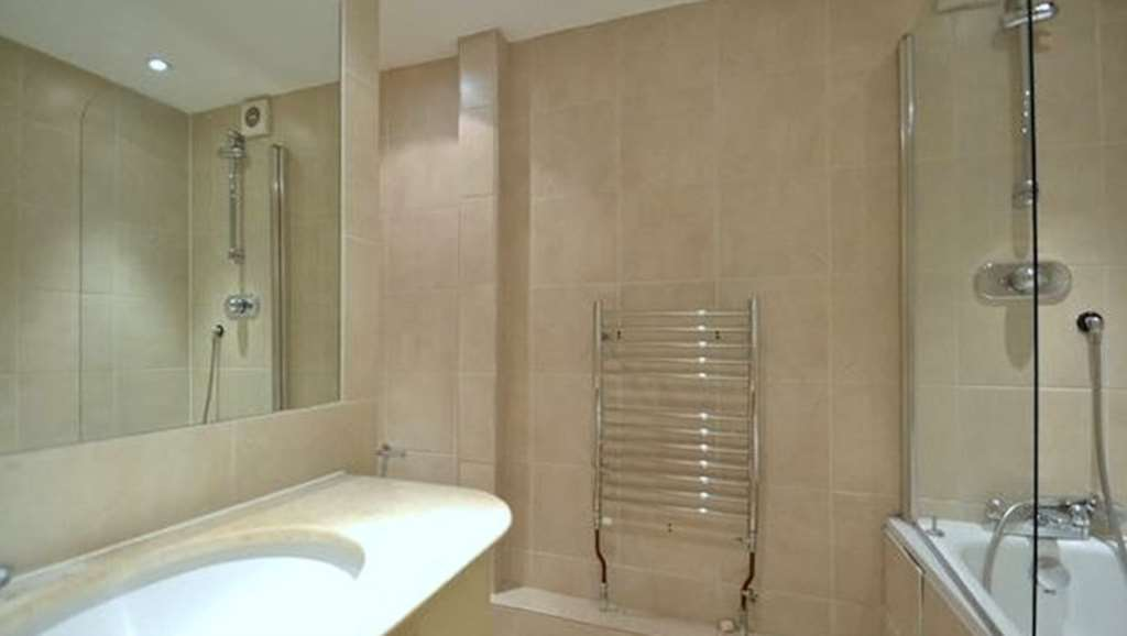 Flats And Apartments To Rent In Brompton L2L92-12509
