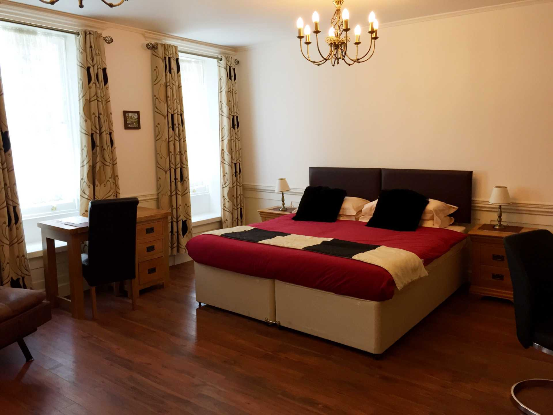 Rent In London L2L92-12530