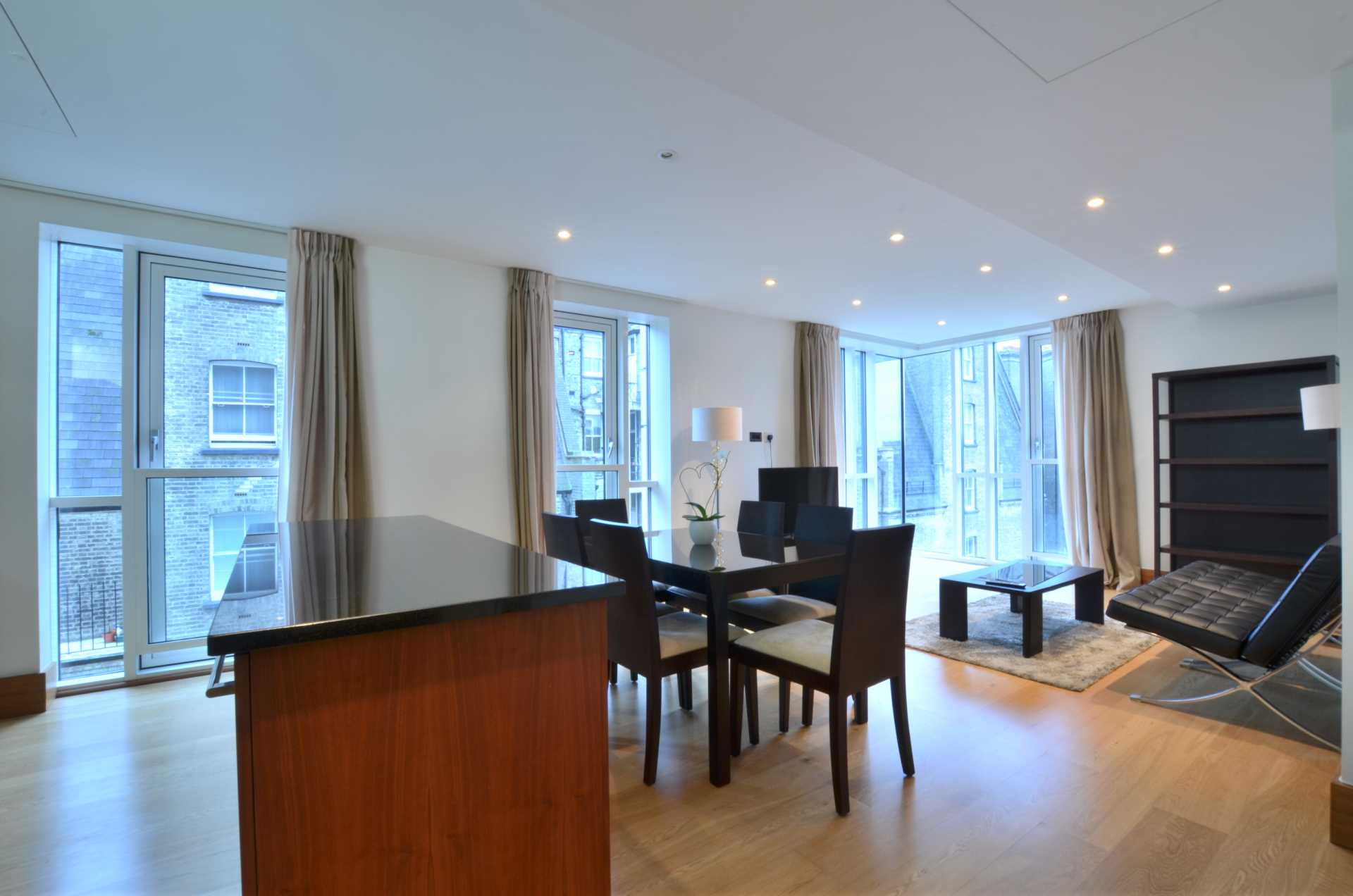 Property To Rent In London L2L92-100