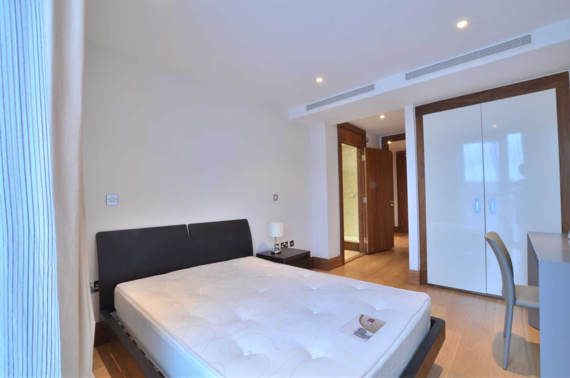 Flats And Apartments To Rent In London L2L92-100