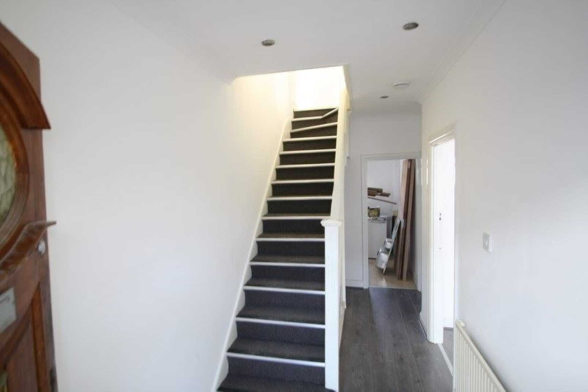 Flatshare To Rent In London L2L99-236